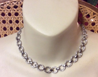 Vintage Trifari silver metal segmented chain necklace.