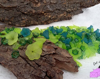 50 gr more than 150 beads - mixed color of flowers and leaves