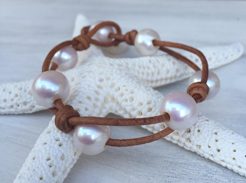 leather pearl bracelet pearl bracelet pearl jewelry pearls. Black Bedroom Furniture Sets. Home Design Ideas