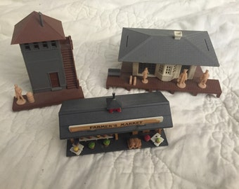 Vintage 1950's Plasticville Buildings for HO Train Sets and Layouts