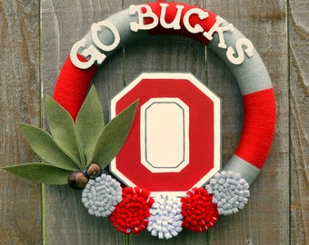 Ohio State Buckeyes Wreath // OSU // Yarn Wreaths // College Football // Graduation Party Decor // Gift For Her // Gift For Fan // 14 inch