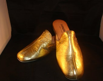 Vintage Oomphies Granada Classic Gold Leather Slippers/ Shoes(1980s) Size 7 (New Old Stock)