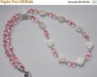 25%OFF Pink Mother of Pearl Leaf Necklace