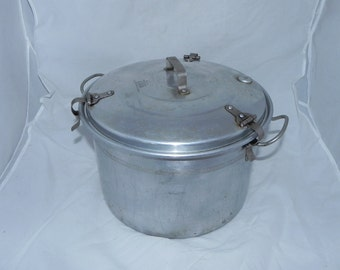 Vintage The Waterless Cooker Health Model Pressure Cooker Canner 12 Quart