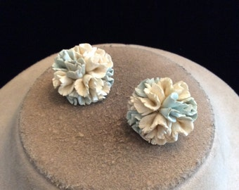 Vintage Chunky 3D Blue & White Floral Clip On Earrings