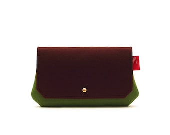 Multipurpose clutch in Italian soft green and cocoa brown felt.