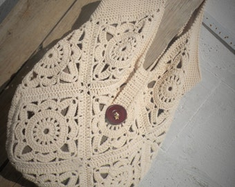 Oversize boho bag with granny squares for woman. White cream tote bag, chunky hippie style. 1970 crochet beach vegan bag. Cotton linen lined