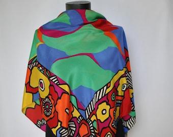 Vintage LOREDANO PRINTED SILK scarf , hand rolled silk scarf....(171)
