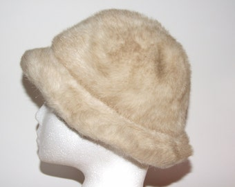 Vintage 1970s Beige Faux Fur Hat from St Michael (Marks & Spencer) - Size Small