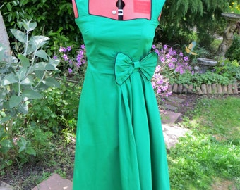 90s does 50s Emerald green dress size UK 8 US 4 - Free Postage