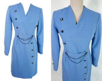 Lavender blue vintage 80s dress. Elegant dress. Chain belted. Buttons. Long sleeve. M size. Thick polyester.