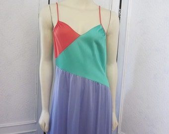 "1960s Color-Blocked Nylon Nightgown by ""baradgoo,"" Size M"