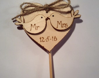 Mr and Mrs - wedding cake topper - Cake topper - rustic wedding