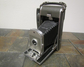 vintage POLAROID LAND CAMERA model 150 , photography equipment