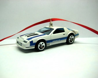 1985 Chevy Chevrolet Camaro Iroc-Z Muscle Sports Car Christmas Ornament