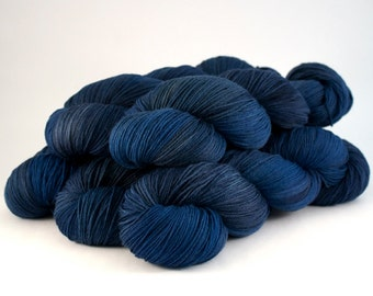 Smoothie Sock merino nylon hand dyed yarn 'Midnight'