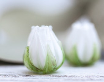 Lampwork Flower Beads, Lampwork Floral Beads, White Flower, Floral Glass Beads - white, ligth green, snow white