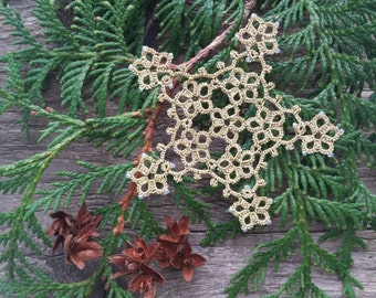 Tatting Lace Gold Snowflake - Gold snowflake - Christmas home decoration - Christmas ornaments - Tatting ornaments