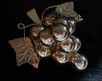 Bunch of Grapes Sterling Silver Brooch! Vintage and just Fabulous! I'm nuts about this Pin. Super Shiny!