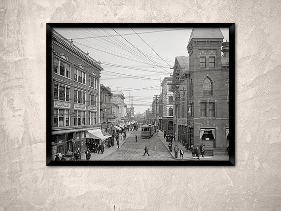 Salem Print Year 1910 Essex Street Looking North From Town
