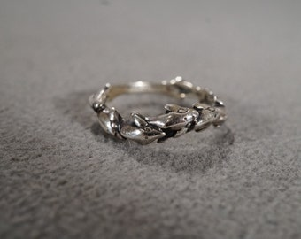 Vintage Jewelry Sterling Silver Ring, Eight Dolphins Wave Design, Stamped Size 6.25    KW233