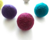 Felted Wool Ball Cat Toys, Bouncy Cat Balls, Pick a Color, Optional Catnip, Felted Wool Dryer Balls