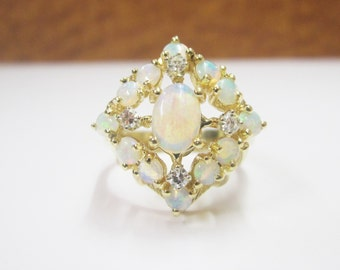 14KT Yellow Gold Opal Cluster Vintage Ladies Ring