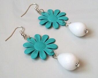 Spring earrings with flower