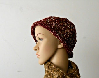 Cloche hat burgundy red with golden glitter, knitted wool hat, knit beanie, winter knit hat by cosediisa