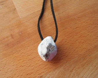 Special Holey Beach Stone Necklace Lucky Talisman Wicca Marine Amulett