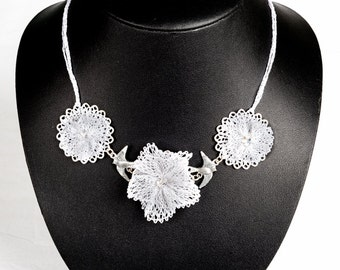 "Jewelry-Wedding necklace ""Donatella"" lace bobbin"