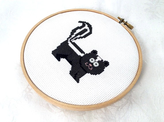 Knitting Room Fond Du Lac : Skunk needlepoint pdf pattern forest embroidery animal