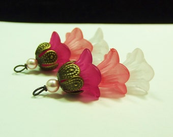 Bead Dangles Vintage Style Pink Lucite Flowers
