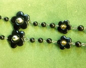 1960s Black Mod Daisy Necklace