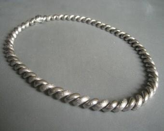 Elegant massive modernist sterling silver necklace, Italy, 1970s.