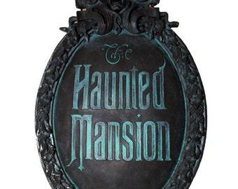 Haunted Mansion Mini Gate Plaque (Classic version paint)