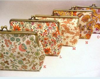 Floral Clutch Set of 5, Bridesmaid Floral Purse Set, Bridesmaid Clutch Set, Seven inch Frame