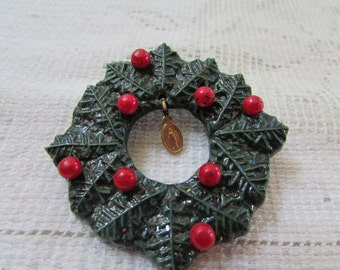 vintage 60's  Christmas wreath brooch pin with Mary medal