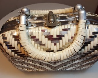 FREE  SHIPPING   1960 Wicker  Handbag