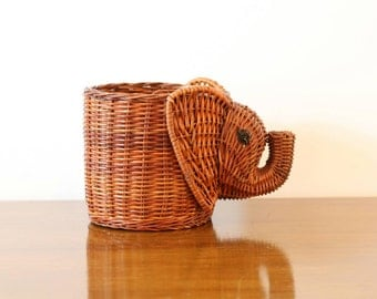 Wicker Elephant Planter, Vintage Elephant Basket, For Potted Plants, BoHo Decor, Animal Planter, Holder, Storage, Gifts for her