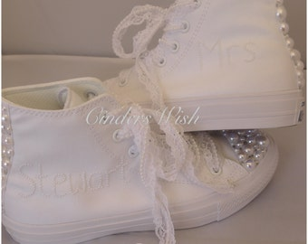 All white Pearl name and Pearl detail New edition Chuck 2 Converse / Pearl Converse /Pearl wedding Converse / Pearl laces
