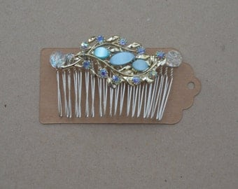 Light blue upcycled brooch comb