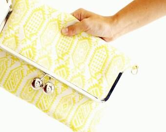"Bag ""Jules"" - large model - color yellow - clasp metal retro chic"