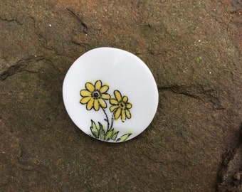 brooch - vintage china brooch - upcycled china - yellow flower brooch - eco jewellery - yellow - handmade - broken china jewellery