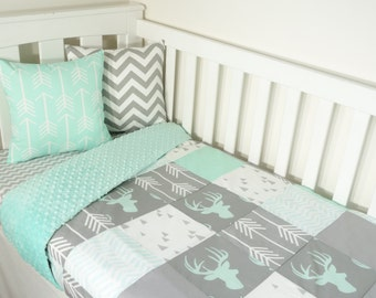 Patchwork quilt nursery set - Mint and grey deer