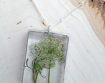 "Queen Anne's Lace specimen pendant on 30"" beaded silvertone chain. Wildflower to wear with everything"