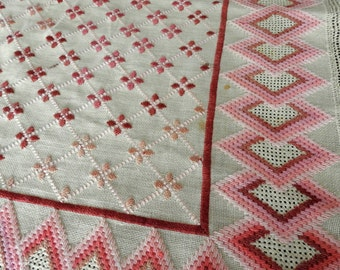 Vintage 30s Table Topper Tablecloth Handwoven Embroidered Flamestitch Bargello Needlework Pink Off White