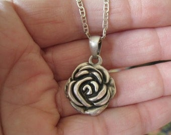 """Sterling Silver 2D Blooming Flower Rose Pendant Necklace 18"""" (1097)"""