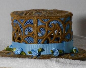 Mini Lace Top Hat