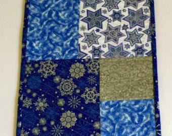 Hanukkah Table Runner, Star of David Table Cloth, Chanukah Table Runner, Reversible Table Runner, Hanukkah Decoration, Quiltsy Handmade